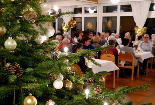 Weihnachtsfeier mit Angehörigen
